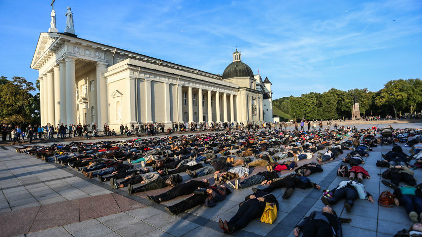 800 activists lay down in the centre of Vilnius, Lithuania, to raise awareness of suicide in the country