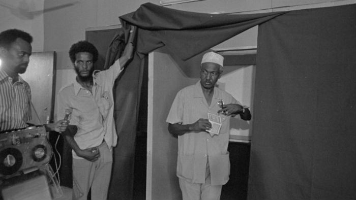 Djibouti's first President Hassan Gouled Aptidon casting his ballot in the independence referendum, on May 8, 1977